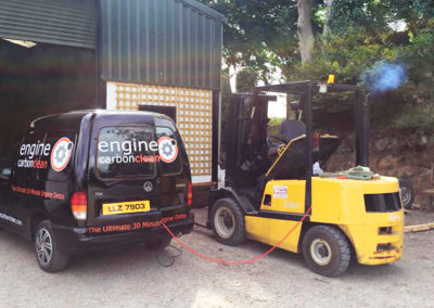 engine-carbon-clean-forklift